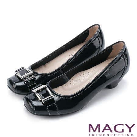 MAGY 氣質通勤款 鏡面牛皮皮帶飾釦方頭中跟鞋-黑色