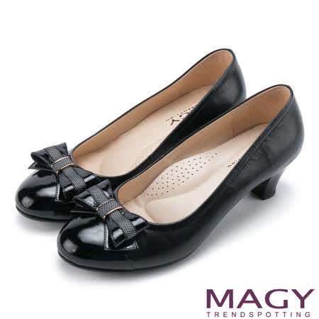 MAGY 甜美通勤 蝴蝶結雙皮質拼接舒適中跟鞋-黑色