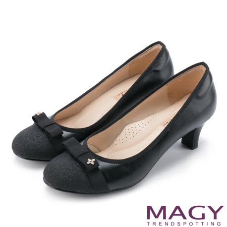 MAGY 氣質首選 典雅小花鑽飾織帶蝴蝶結羊皮中跟鞋-黑色