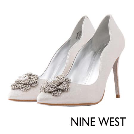 NINE WEST--尖頭鑽飾高跟鞋--極光銀