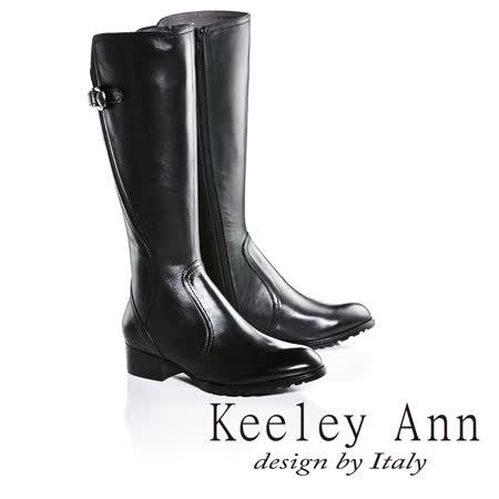 Keeley Ann美感三角扣環皮帶造型低跟長靴(黑色679002210-Ann系列)