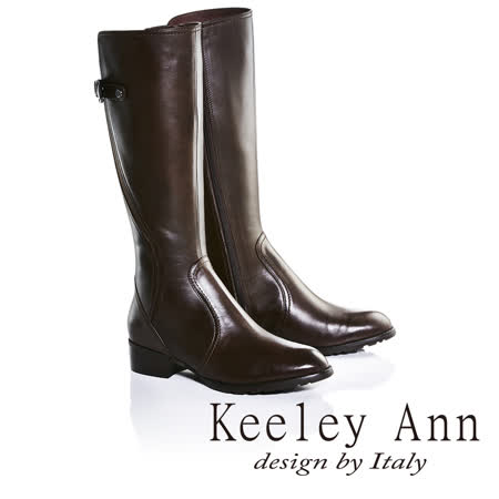 Keeley Ann美感三角扣環皮帶造型低跟長靴(咖啡色679002270-Ann系列)