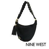 NINE WEST--個性風格流蘇半圓馬鞍包--率性黑