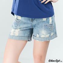 【Olive Oyl奧莉薇】鉚釘割破刷白反褶牛仔短褲(藍色)