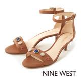 NINE WEST--寶石一字低跟涼鞋--率性咖