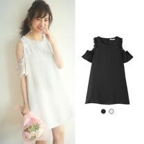日本ANNA LUNA 預購-ViVi雜誌 氣質露肩花朵裝飾洋裝(共兩色/M-L)