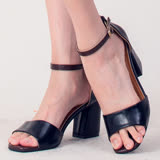 【Moscova】時尚百搭一字搭扣粗跟涼鞋-黑色