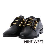 NINE WEST--中性風金屬裝飾低跟紳士鞋--質感黑