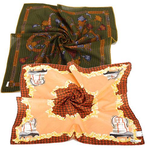 Christian Dior 古典巴洛克風格領巾。多款任選