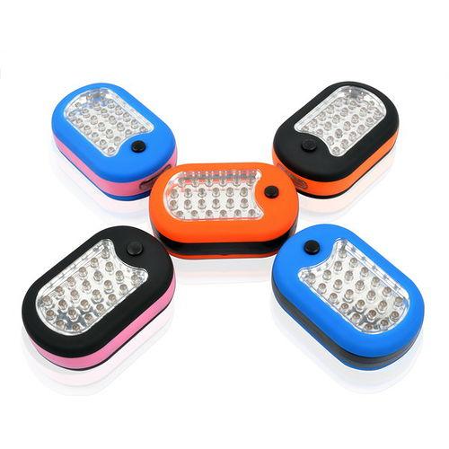~LIFECODE~磁性小型壁掛燈手電筒^(24 3LED燈^) 不挑色