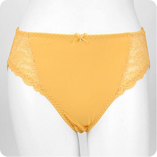 優質百元內褲任選【內衣瞎拼】蕾絲緞面內褲 (黃)