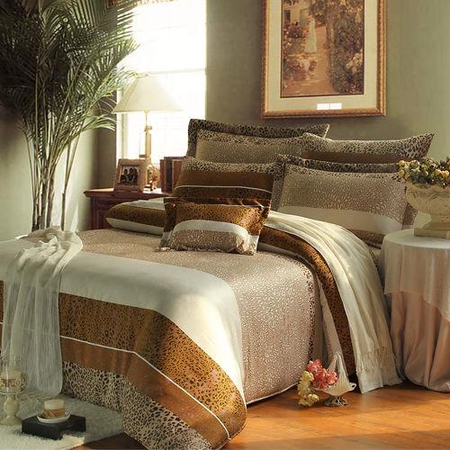 ~KOSNEY 豹紋仙境 ~特大100^%天絲TENCEL八件式兩用被床罩組