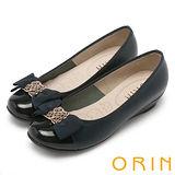 ORIN 微甜OL 金屬飾釦真皮雙層蝴蝶結楔型低跟鞋-深藍
