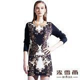【麥雪爾】珠飾領圖騰羊毛呢料A字洋裝