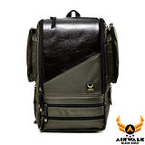 AIRWALK - 黑金系列 紐約客 箱型多功能拉鍊雙料皮感後背包(中) - 大方綠