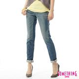 SOMETHING CELEB袋蓋直筒牛仔褲-女-拔淺藍