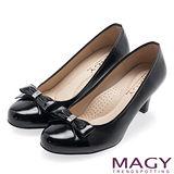MAGY 甜美OL專屬 雙皮質拼接蝴蝶結高跟鞋-黑色