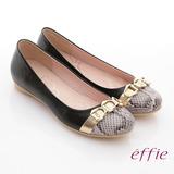 【effie】軟芯系列 全真皮拼接金屬飾釦蛇紋平底鞋(黑)