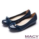 MAGY 甜美混搭新風貌 蝴蝶結水鑽娃娃鞋-深藍