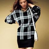 日本Portcros 現貨-提花針織V領束腰上衣洋裝(黑色系格紋/3L)