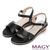 MAGY 夏日時尚 造型交叉牛皮舒適低跟涼鞋-黑色