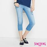 SOMETHING CELEB 補釘七分牛仔褲-女-石洗藍