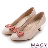 MAGY 美女系專屬 金屬戒環鑽飾點綴牛皮中跟鞋-粉紅