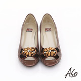 【A.S.O】璀璨美型 真皮拼接花紋珠飾蝴蝶結魚口跟鞋(豆沙)