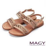 MAGY 異國渡假風 幾何造型簍空真皮平底涼鞋-米色