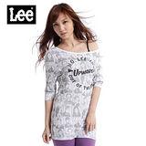 【Lee】個性不凡 植絨文字人物印花長版短袖T恤-女款(白)