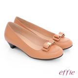 effie 都會舒適 羊皮立體蝴蝶結飾低跟鞋(粉橘)