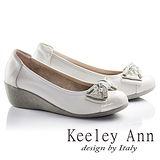 Keeley Ann甜美蝴蝶結鑽飾OL真皮楔形娃娃鞋(白色635348130)