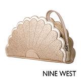 NINE WEST--派對時尚花朵手拿包--閃耀金