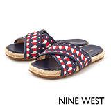 NINE WEST--交叉草編拖鞋--愛心印花