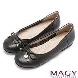 MAGY 甜心女孩 LOGO圓牌蝴蝶結娃娃鞋-黑色