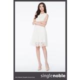 獨身貴族 花卉蕾絲無袖洋裝(2色)-米白