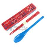 〔小禮堂〕Hello Kitty 日製靜音盒匙筷組《紅.蘇格蘭格紋.坐姿》掀蓋式