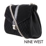 NINE WEST--菱格壓紋絨布鏈帶肩背包--奢華黑