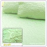 【EYAH宜雅】絲緞面立體花紋100%防水雙人保潔墊三件組(含枕墊*2)-翡翠綠